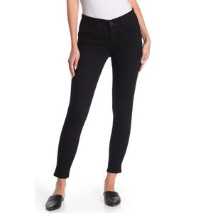 NWT Black Fade Resistant Ab Solution High Rise- 8